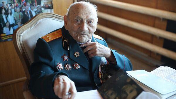 Старейший в Приморье ветеран Великой Отечественной войны Ефим Моисеевич Гольдберг