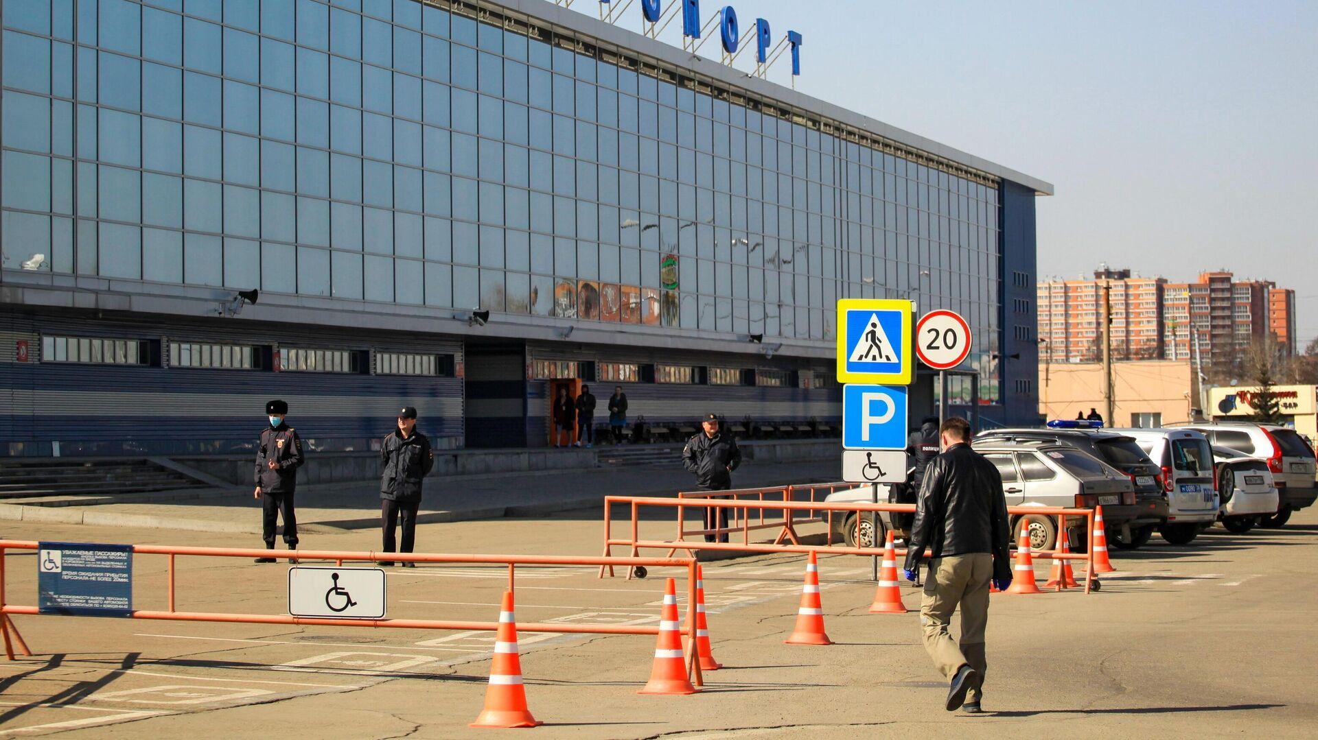 Здание аэропорта в Иркутске - РИА Новости, 1920, 06.11.2020