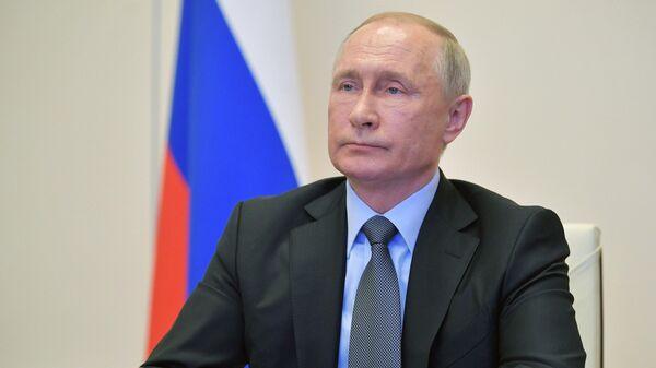 Путин призвал действовать предельно аккуратно при борьбе с коронавирусом