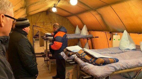Мобильный госпиталь для заразившихся коронавирусом в мурманском поселке Белокаменка