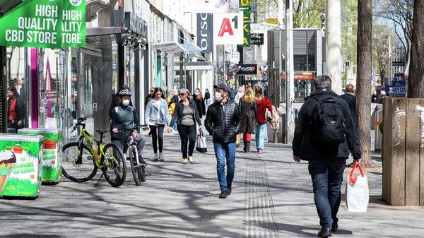 Прохожие на улице в Вене