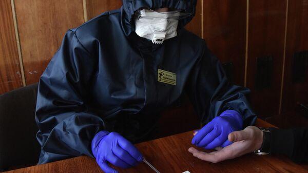 На Украине за сутки выявили 455 случаев заражения коронавирусом