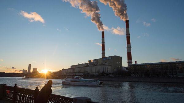 Вид на ТЭЦ №12 в Москве