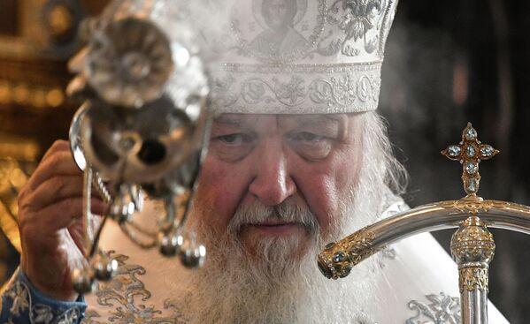 Патриарх Московский и всея Руси Кирилл во время Божественной литургии в праздник Благовещения Пресвятой Богородицы в храме Христа Спасителя в Москве