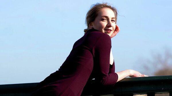 Российская фигуристка Аделина Галявиева, выступающая за Францию