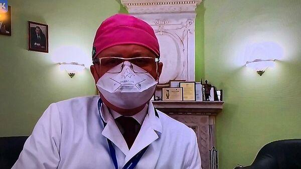 Скриншот обращения главного врача детской городской клинической больницы № 9 имени Г.Н. Сперанского Анатолия Корсунского к зрителям благотворительного онлайн-марафона Doctor Jazz Party