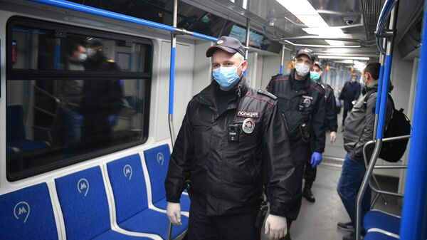 В Москве усилят контроль за ношением масок и перчаток