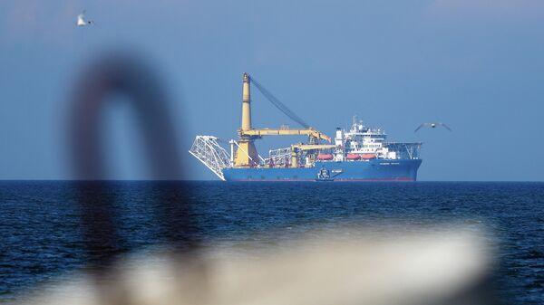 Российское краново-монтажное трубоукладочное судно Академик Черский