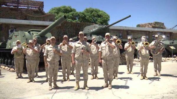 Российские военные в Сирии спели «День Победы» на русском, арабском и фарси