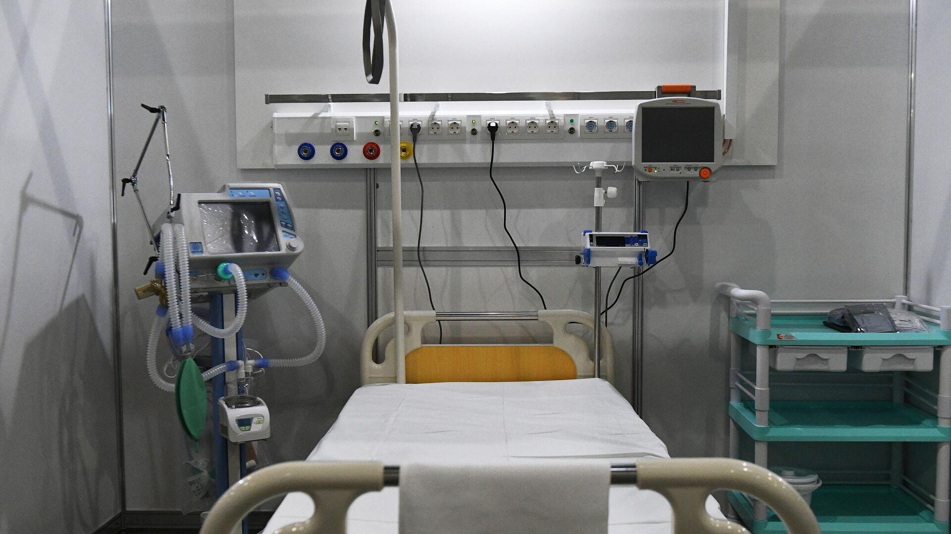 Медицинское оснащение в палате временного госпиталя для пациентов с COVID-19 в Международном выставочном центре Крокус Экспо в Красногорске - РИА Новости, 1920, 20.01.2021