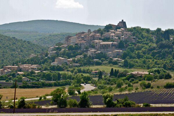 Деревня во Франции