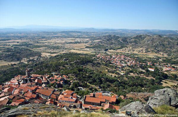 Деревня Монсанто в Португалии