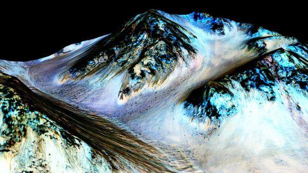 Ученые оценили возможность существования жизни в соляных рассолах Марса
