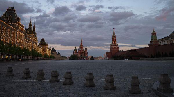 Красная площадь и мавзолей Ленина в Москве
