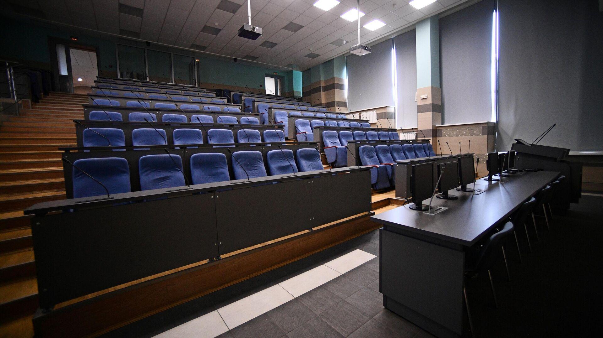 Пустая аудитория Национального исследовательского технологического университета МИСиС - РИА Новости, 1920, 11.11.2020
