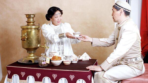 Для продвижения культуры чаепития Ассоциация гостеприимства РС (Я) воспроизвела чайную церемонию на основе якутских традиций в виде мастер-классов