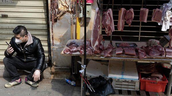В Китае опровергли версию происхождения коронавируса на рынке в Ухане