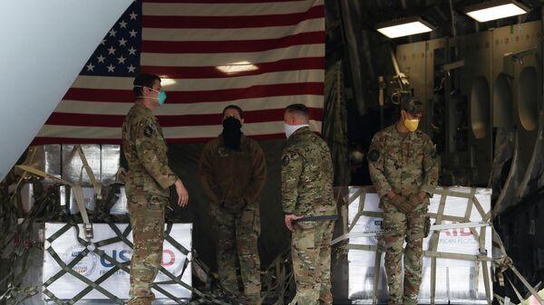 Самолет ВВС США доставил партию аппаратов искусственной вентиляции легких в Россию