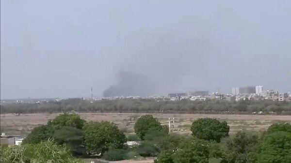 Место крушения самолета в Карачи