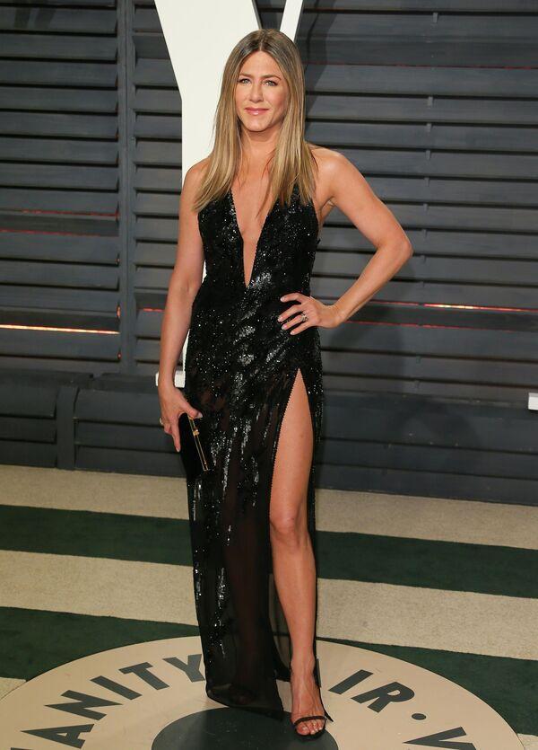Американская актриса Дженнифер Энистон на вечеринке Vanity Fair после 88-й премии Оскар
