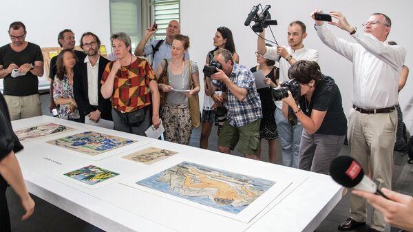 Журналисты во время пресс-показа коллекции Корнелиуса Гурлитта в Музее изобразительных искусств Берна