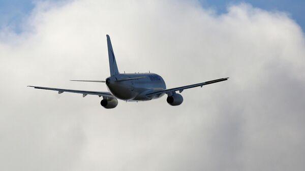 Пассажирский самолет Сухой Суперджет-100