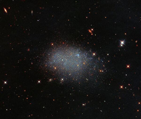 Карликовая галактика KK 246, также известная как ESO 461−036