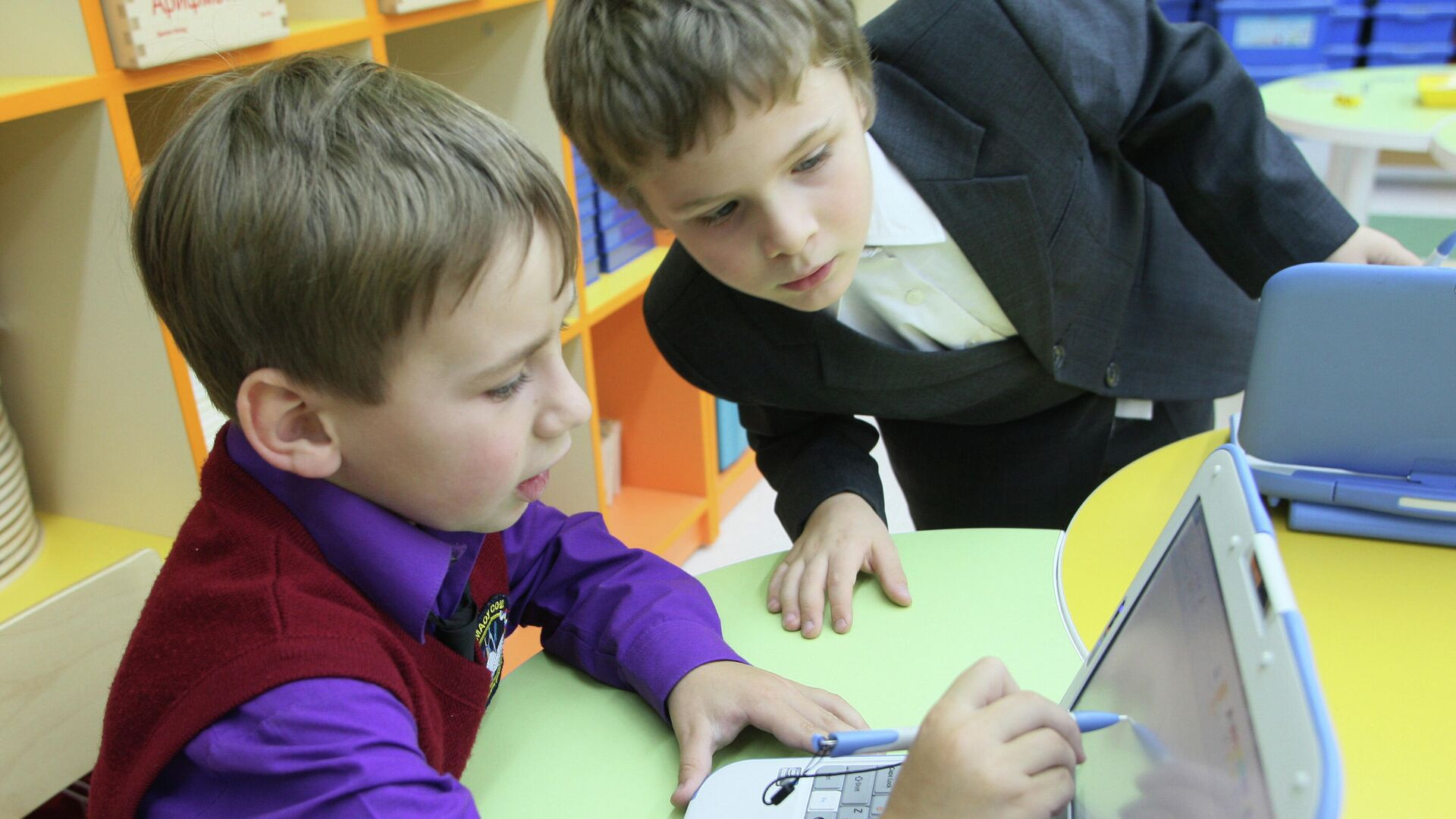 1572189501 0:0:2835:1595 1920x0 80 0 0 c836aa79f03adc9dec1506fa2907633a - Правительство одобрило проект о защите детей от вредоносной информации