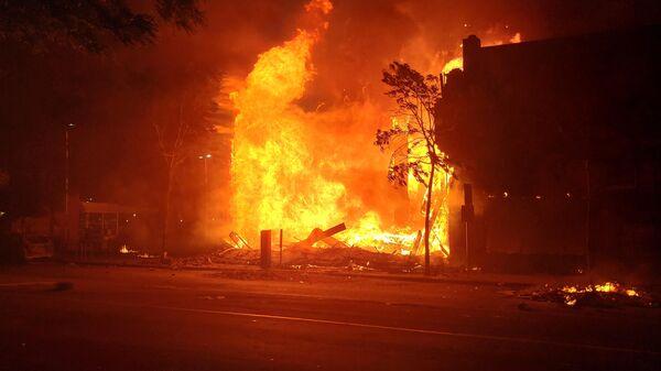 Пожар на улице в Миннеаполисе