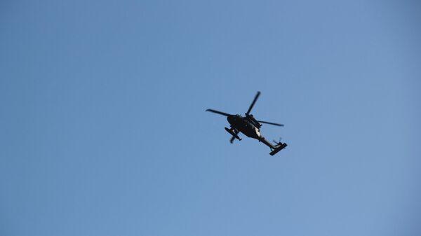 Военный вертолет над Миннеаполисом