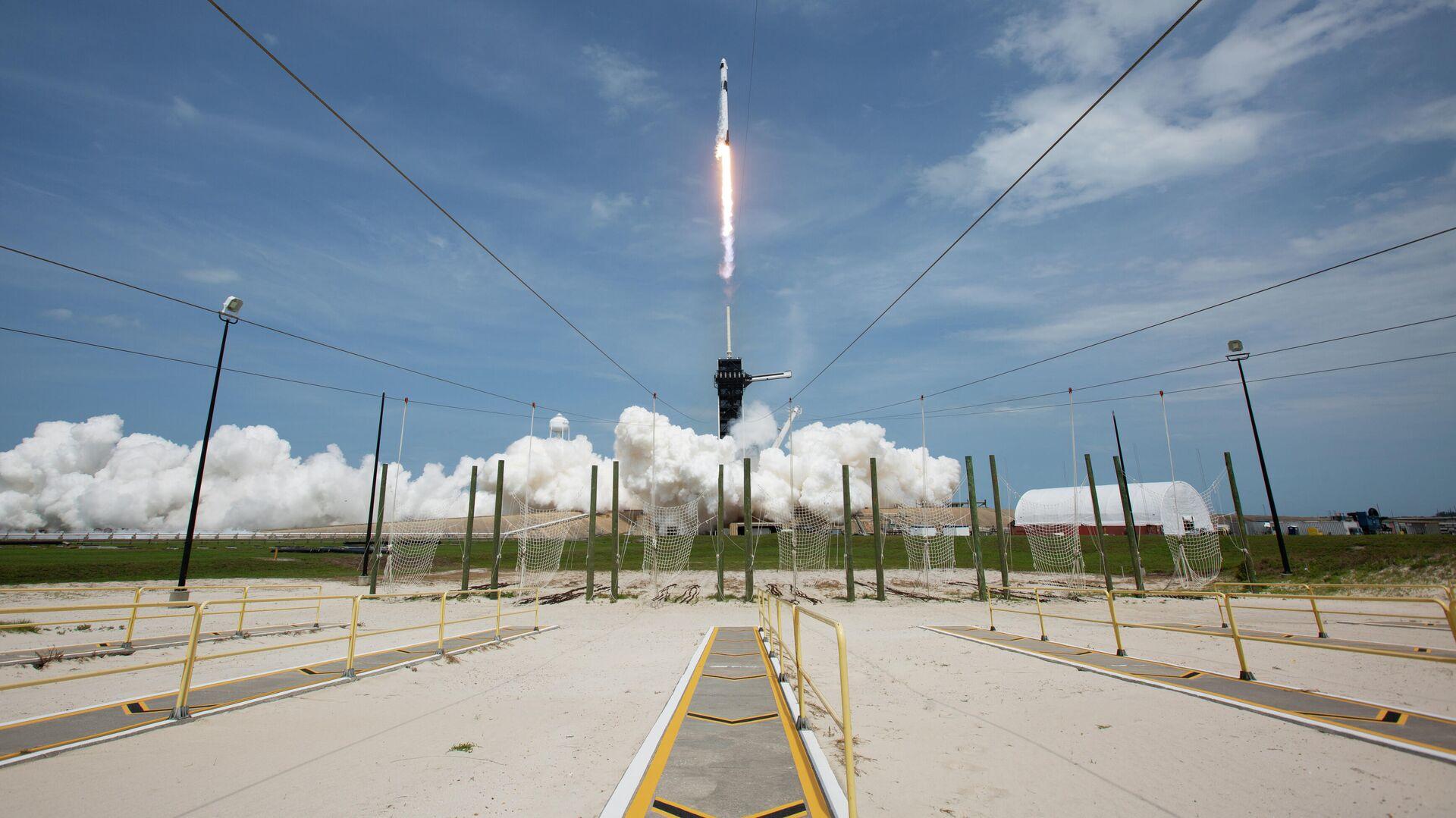 Первый пилотируемый запуск корабля Crew Dragon, созданного компанией SpaceX Илона Маска - РИА Новости, 1920, 16.11.2020