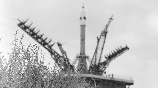 Космический корабль Союз  на космодроме Байконур