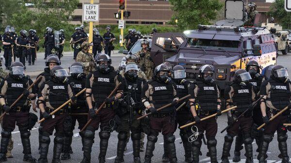 Сотрудники полиции в Миннеаполисе