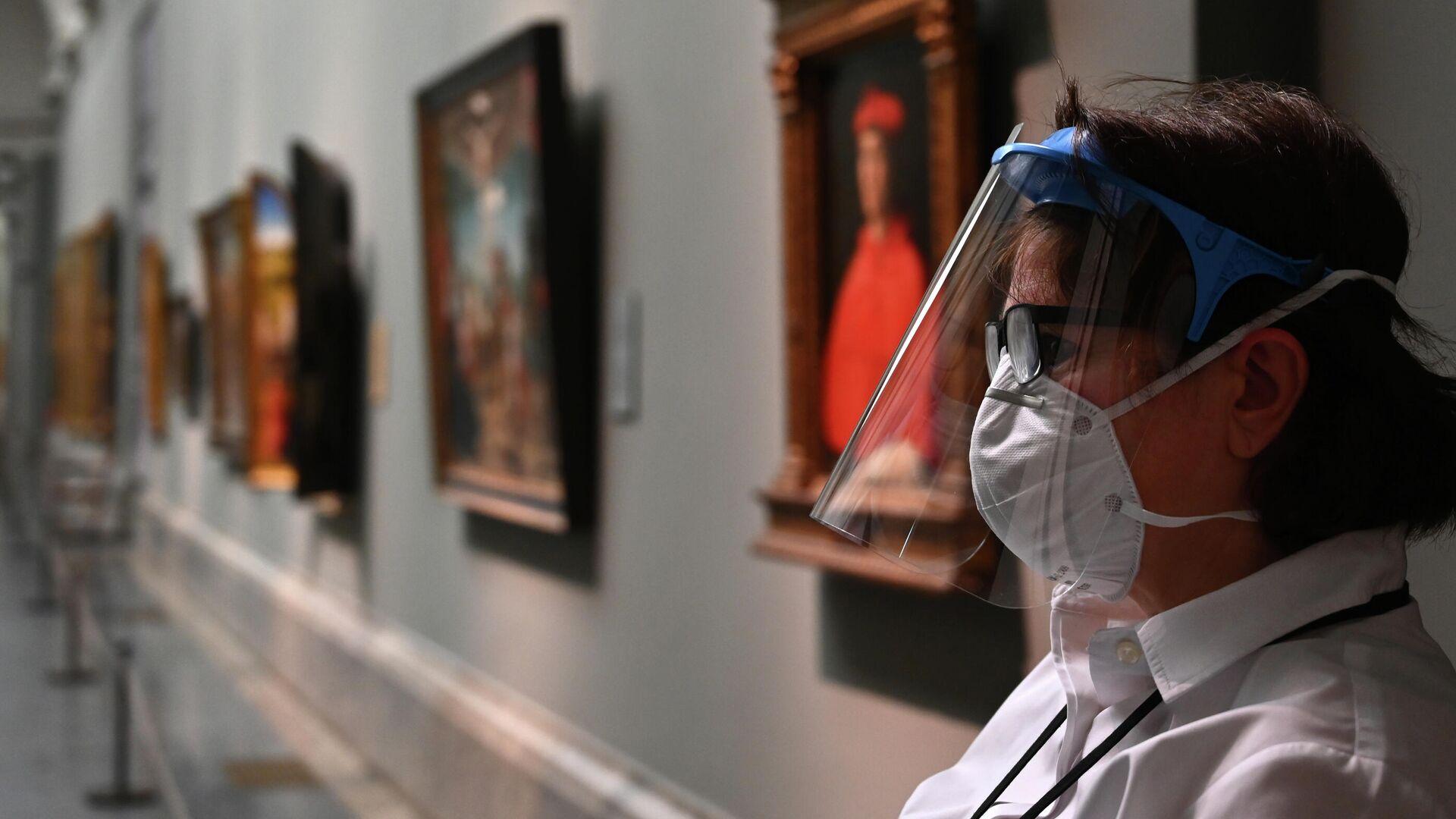 Смотрительница в Национальном музее Прадо в Мадриде, Испания - РИА Новости, 1920, 10.12.2020