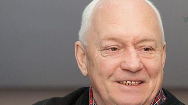 Заслуженный тренер России по хоккею, бывший советский и российский хоккеист Рафаил Ишматов