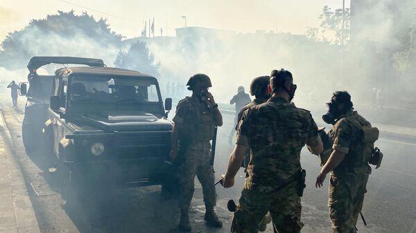 Военная полиция в центре Бейрута во время акции протеста
