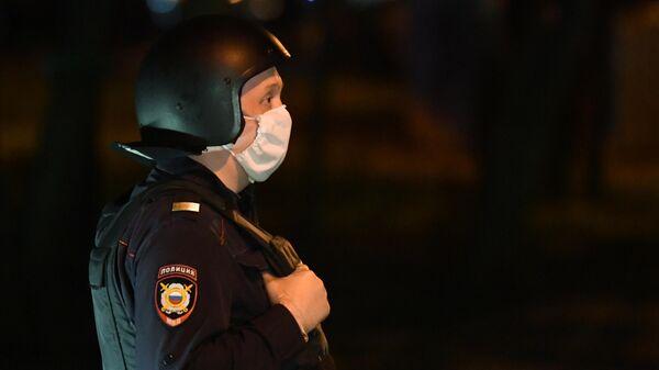 Неизвестный устроил стрельбу из окна в Москве