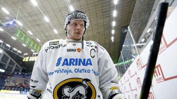 Финский хоккеист Лассе Кукконен