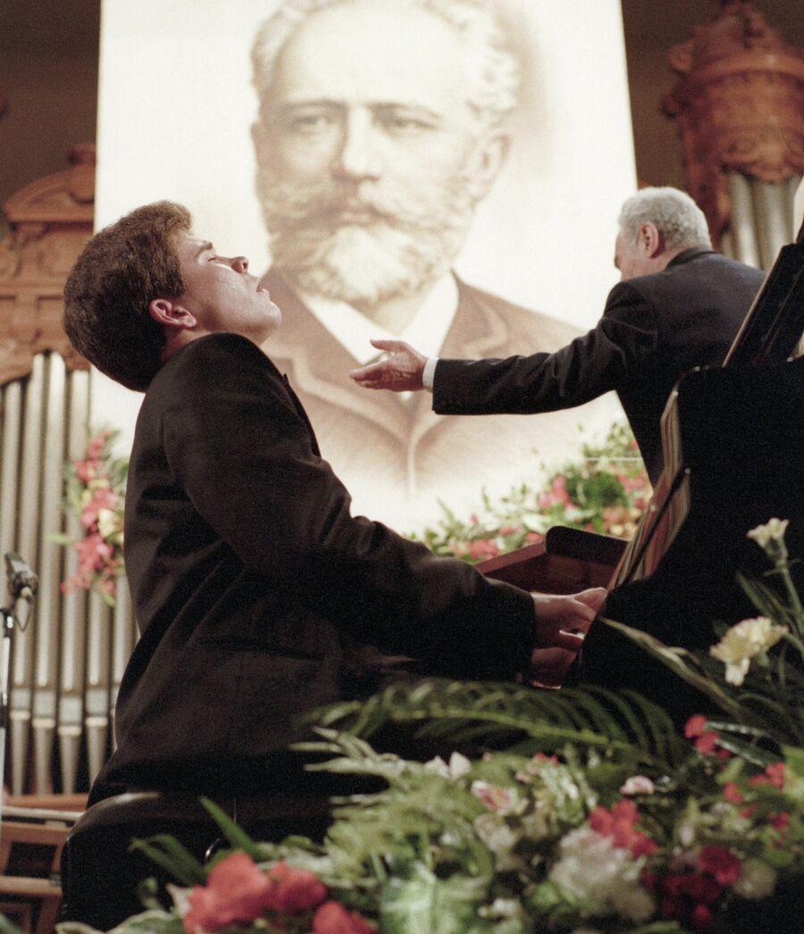 Пианист Денис Мацуев во время выступления на XI Международном конкурсе имени П.И. Чайковского