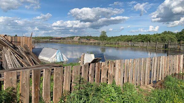 Сотрудники МЧС во время мероприятий по стабилизации паводковой обстановки в Красноярском крае