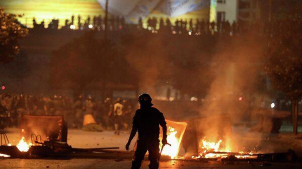 Сотрудники правоохранительных органов и участники массовых волнений в Бейруте, Ливан