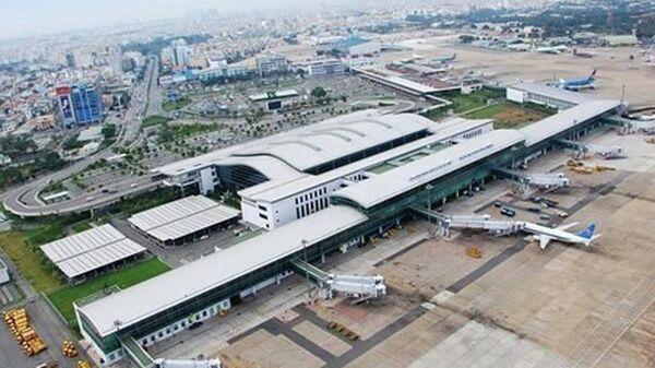 Самолеты в аэропорту во Вьетнаме