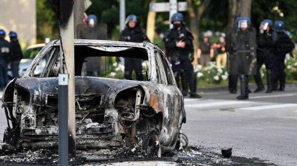 Последствия беспорядков на улице в районе Грезиль в Дижоне