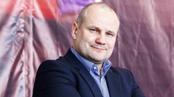 Старший тренер сборной России по самбо Александр Конаков