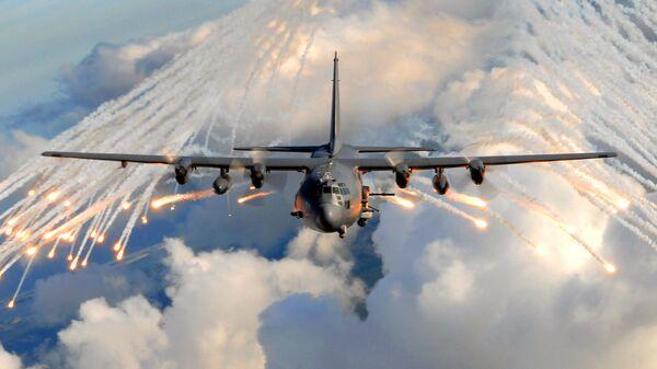 Самолет АС-130U. Отстрел ложных тепловых целей