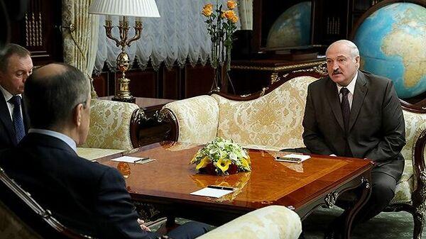 Министр иностранных дел РФ Сергей Лавров во время встречи с президентом Белоруссии Александром Лукашенко