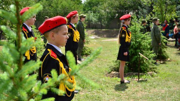 Открытие аллеи боевой славы Три войны в честь ветеранов ВОВ, участников войны в Афганистане и конфликта в Донбассе, в Луганске