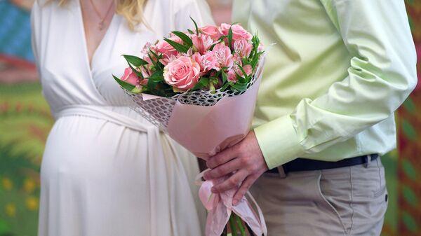 Молодожены во дворце бракосочетания №5 в Москве