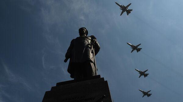 Боевая авиация в небе над Севастополем