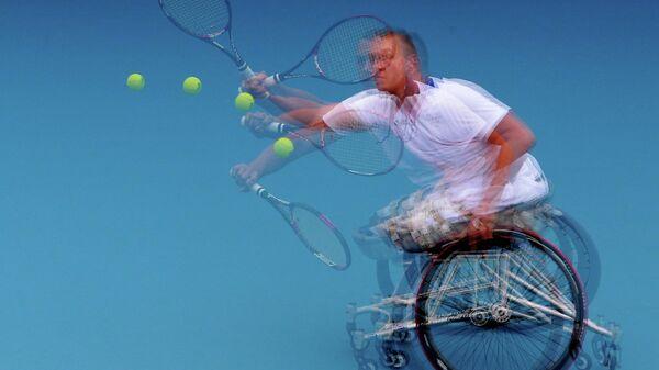 Теннисист-колясочник Николас Пайфер